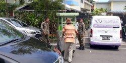 Camat Ujung Pandang Tugaskan BKO Satpol Kecamatan Tegur PKL yang Nakal