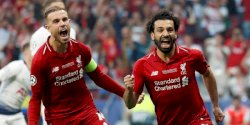 Setelah Menunggu 14 Tahun, Liverpool Akhirnya Angkat Trofi si Kuping Besar