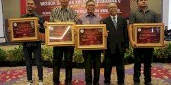 Inspiratif, Dokter Fadli Ananda Dinaugerahi Young Enterpreneur dari STIE Nobel Indonesia