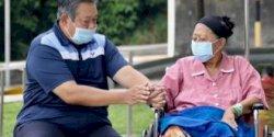 Andi Arief Kabarkan Ani Yudhoyono Meninggal Dunia
