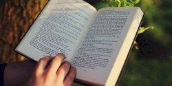 Agar Minat Baca Tumbuh, Lakukan Hal Ini