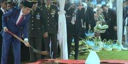 Presiden Jokowi Inspektur Upacara Pemakaman Ani Yudhoyono