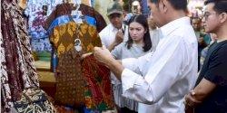 Presiden Jokowi Berkunjung ke Pasar Beringharjo Yogyakarta