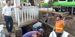 Lurah Karuwisi Utara Pantau Aktivitas Rutin Satgas Kebersihan