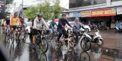 Pj Wali Kota Iqbal Ajak OPD Bersepeda Sembari Tinjau Kebersihan