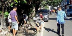 Sekcam Ujung Pandang Pantau Satgas Drainase di Kelurahan Bulogading
