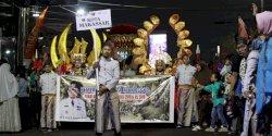 Pemkot Makassar Kenakan Baju Bodo dan Jas Tutup di Semarang Night Carnaval 2019