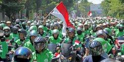 Ribuan Mitra Go-Jek Makassar Banjiri Festival Merah Putih