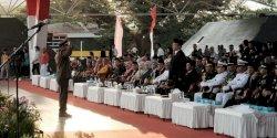 Pj. Wali Kota Makassar dan Tetua DPRD Bagi Tugus Inspektur Upacara