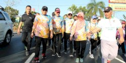 Ramaikan Dies Natalis ke-63 Unhas, Iqbal Ikut Jalan Kaki