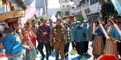 Iqbal Suhaeb Buka HKG PKK KB-Kesehatan di Ujung Pandang