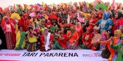 """Lewat Flash Mob Pakarena, Iqbal Suhaeb Uji """"Seberapa Indonesianya Kamu"""""""