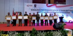 Kemendagri Anugerahi Makassar Penghargaan SIPD