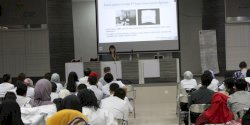Kuliah Tamu FKG Unhas Hadirkan Pemateri Asal Jepang
