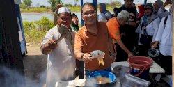 Akhir Pekan, Danny Pomanto Bakar Ikan Bersama Warga
