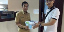 Dispora Makassar Bersama ASLI Salurkan Bantuan ke Pemuda Usaha Laundry