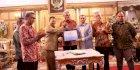 Iqbal Suhaeb Apresiasi Penyerahan PSU di Metro Tanjung Bunga