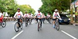 Meriahkan Hari Juang TNI-AD,  Gubernur Nurdin Bersepeda 15 Kilometer