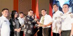 Pemkot Makassar Beri Award SKPD Berprestasi