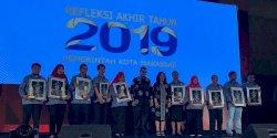 Sekretariat DPRD Makassar Terima Penghargaan Inovative Mayor Award 2019