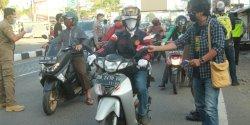 Jurnalis Peduli Kemanusiaan Sulsel Bagikan 1.500 Masker