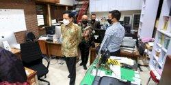 Cek Kedisiplinan Pegawai, Prof Rudy Sidak Ruangan di Balaikota