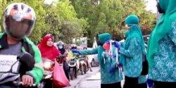 Gerakan Bersama Pengendalian Covid, TP PKK Rappocini Bagi-bagi Masker