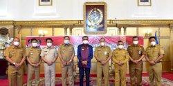Gubernur Kukuhkan Tujuh Penjabat Sementara Bupati