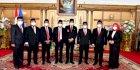 Nurdin Abdullah Lantik 7 Komisioner KPID Sulsel, Titip Pesan Khusus
