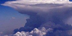Awan Cumulonimbus Ancam Penerbangan di Berbagai Daerah, Termasuk di Sulsel