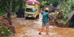 Jalan Trans Sulawesi di Mamuju Akhirnya Dibuka Pascalongsor