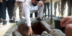 Wali Kota Makassar Lakukan Peletakan Batu Pertama Pembangunan Asrama STIBA