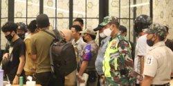 Satgas Raika Kecamatan Makassar Patroli Malam Sasar Titik Kerumunan