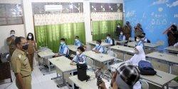 Simulasi PTM di Makassar, Danny Pomanto Pastikan Semua Pelajar Sehat